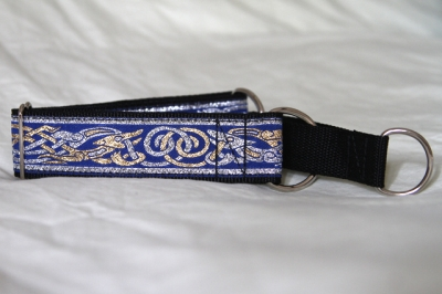 Martingale (medium) - blue/silver/gold celtic dog (D19M)