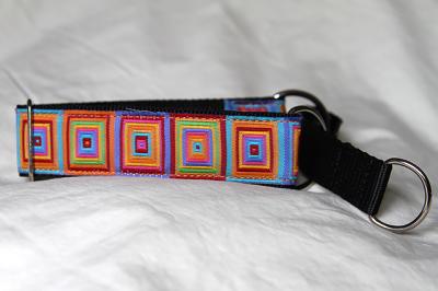 Martingale (medium) - bright squares (D09M)