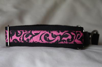 Martingale (medium) - black swirls on pink (D77M)