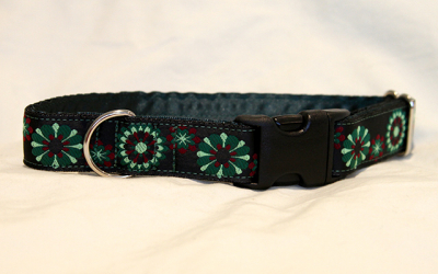 Luxury clip collar - green and burgundy flowers (DH03)