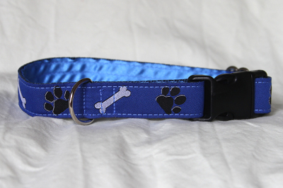 Luxury clip collar - blue paws and bones (DH27)