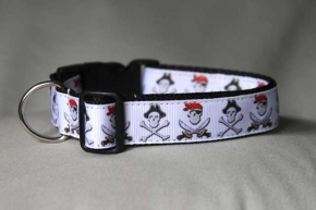 Clip Collar - White Skulls (H06)