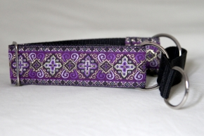 Martingale (small) - medieval purple (D02S)