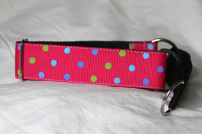 Martingale (medium) - pink with dots (D08M)