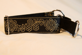 Martingale (medium) - gold flowers (D36M)