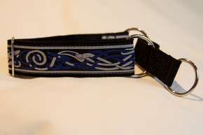 Martingale (medium) -  blue/light grey celtic dog (D37M)