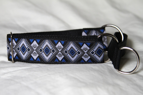 Martingale (small) -  blue/grey geo (D41S)