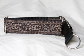 Martingale (medium) - celtic tan/black (D45M)
