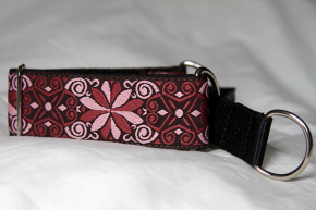 Martingale (small) - dusky pink flower (D53S)