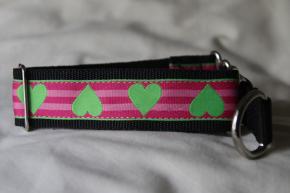 Martingale (medium) - green hearts on pink stripes (D69M)